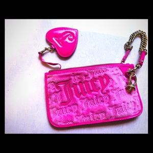 JUICY COUTURE Authentic logo clutch w ring. New!